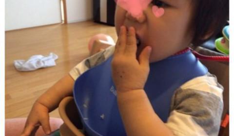 離乳食の食べムラ、遊び食べが始まり食事に苦戦しています(ノw`*)